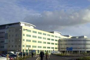 Great Western Hospital to cut 'bed-blocking' delays in discharging patients